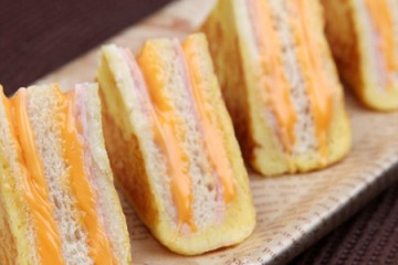Cách làm bánh mì kẹp pho mát