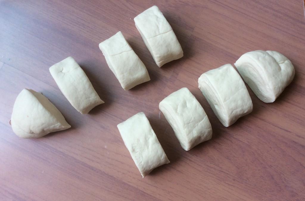 Cách làm bánh bao không nhân từ nguyên liệu đơn giản