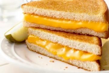 Món bánh mì kẹp phô mai làm cực dễ