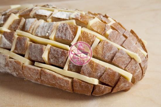 Bánh mì nướng phô mai cấp tốc cho bữa sáng