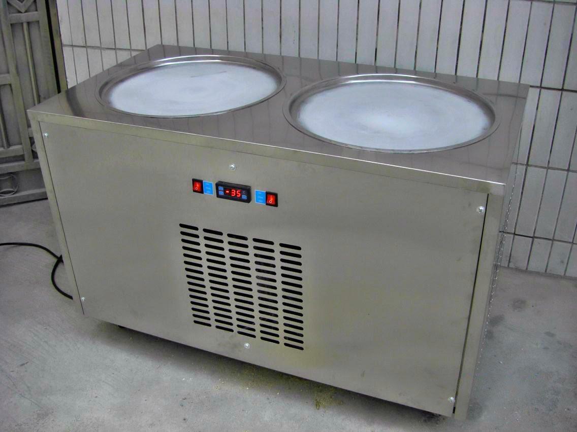máy làm kem cuộn 2 chảo