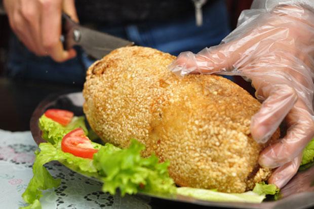 Các bếp chiên nhúng đơn không chiên được gà nguyên con