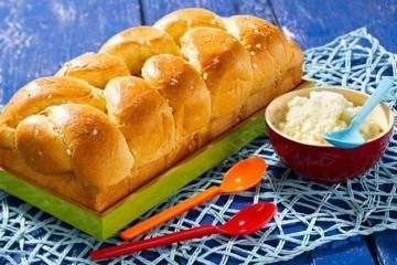 Bánh mì hoa cúc tưởng thế nào hóa ra lại dễ làm như thế này