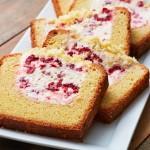 Bột làm bánh bông lan là bột gì?