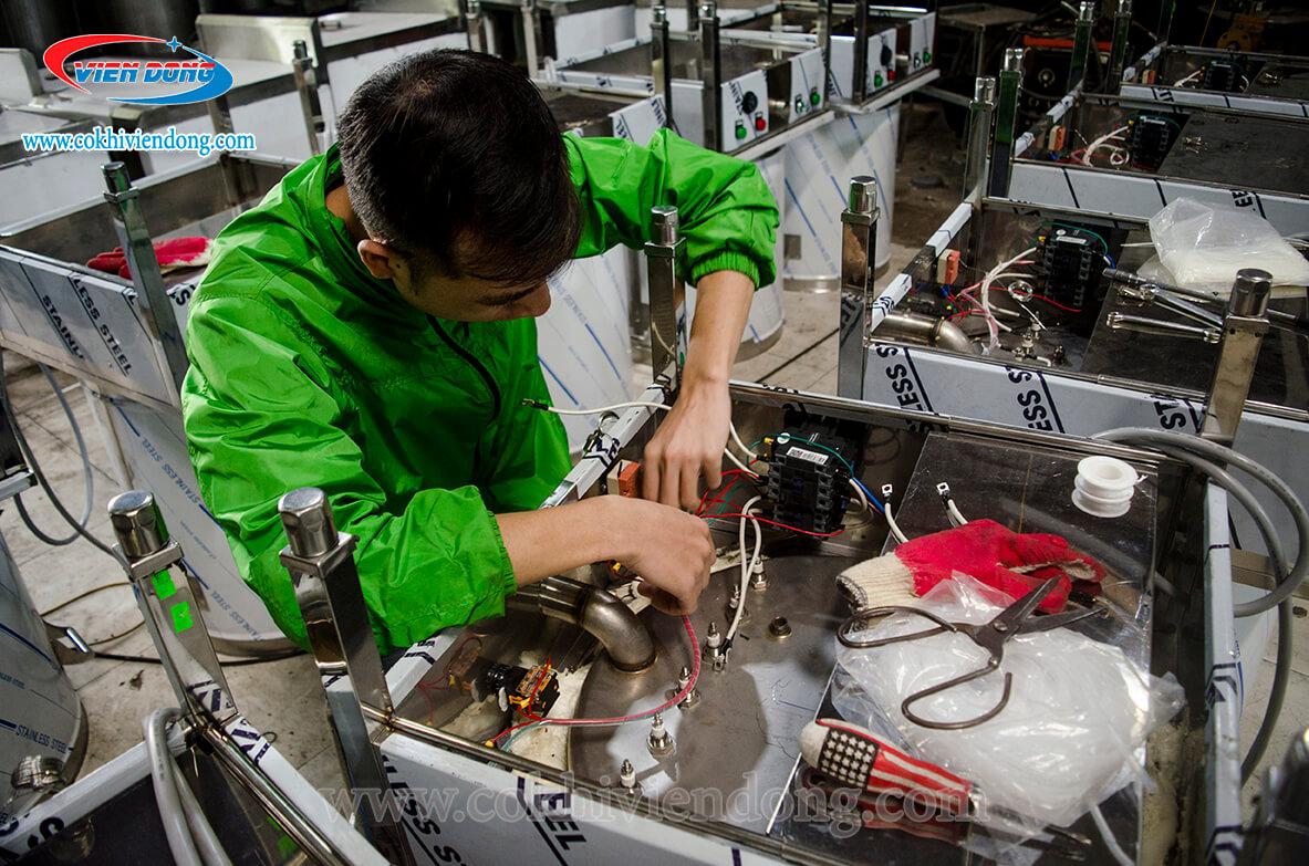 Xưởng kỹ thuật công ty Viễn Đông