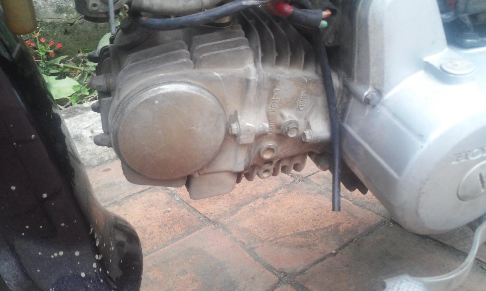dung dịch tẩy rửa đầu bò xe máy